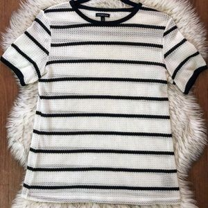 Black and white stripped tee